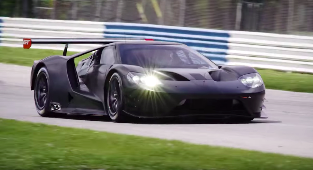 Ford GT racer gets a shakedown at Sebring