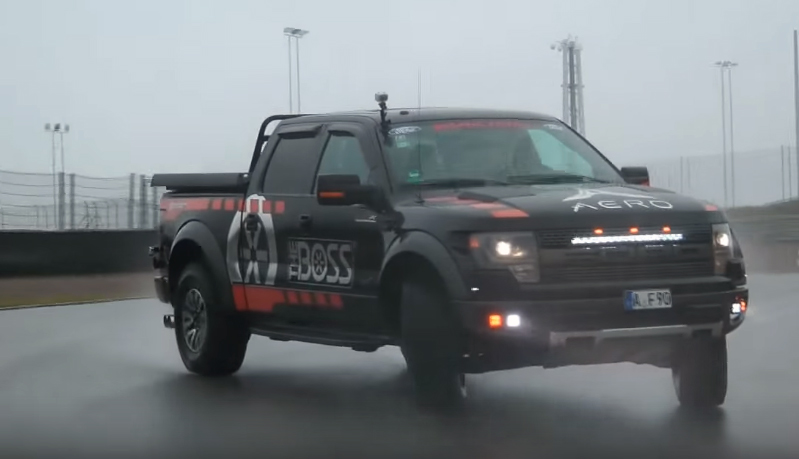 Drifting Ford Raptor at the track, German style