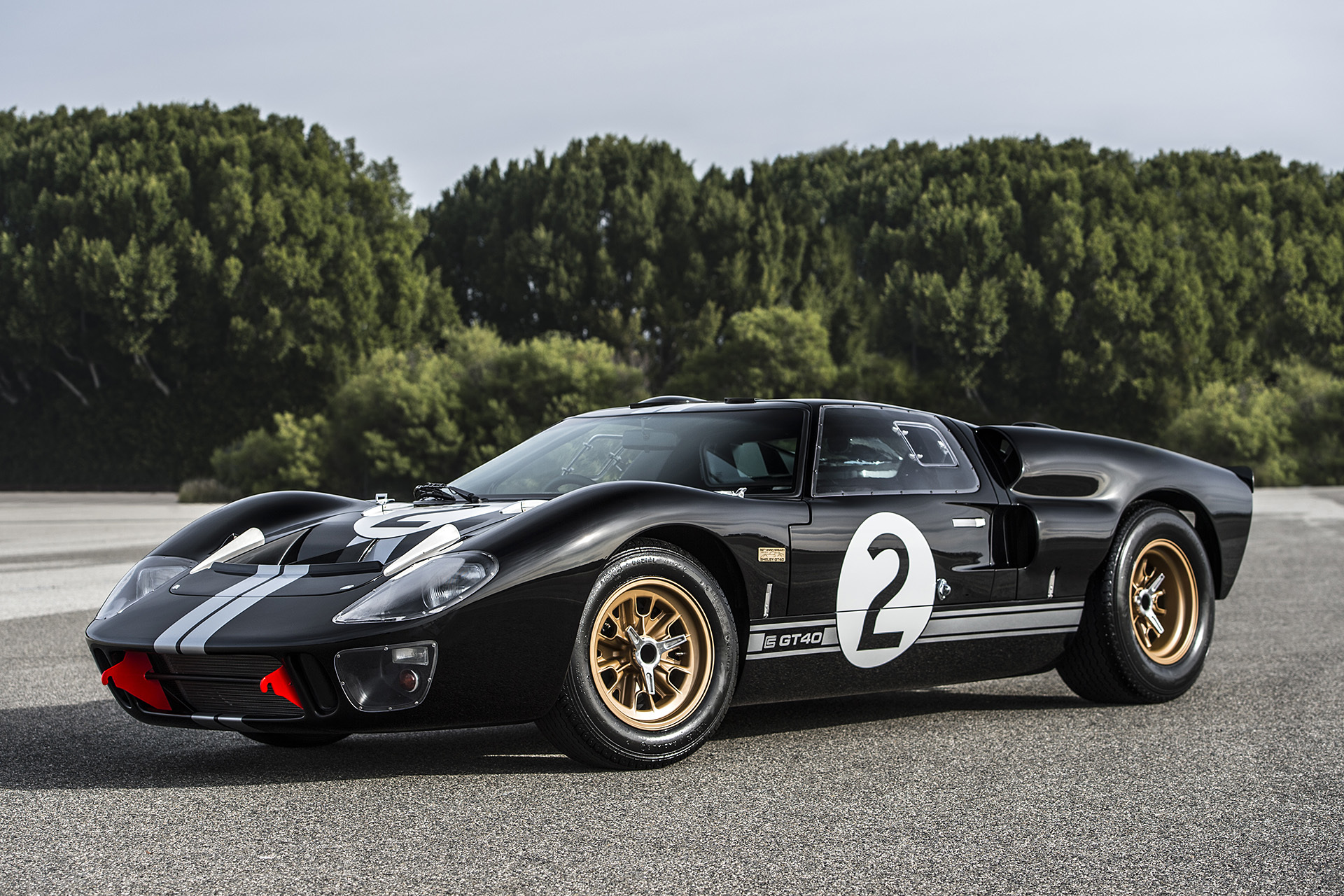 Shelby, Superformance unveil 50th Anniversary GT40
