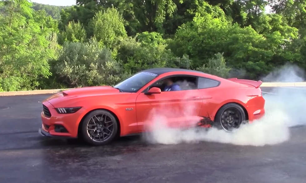 Attention Mustang Owners: This Is How You Leave Cars and Coffee