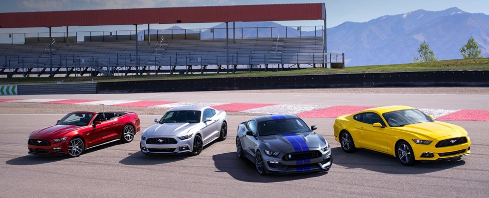 2016 Ford Mustang family shot