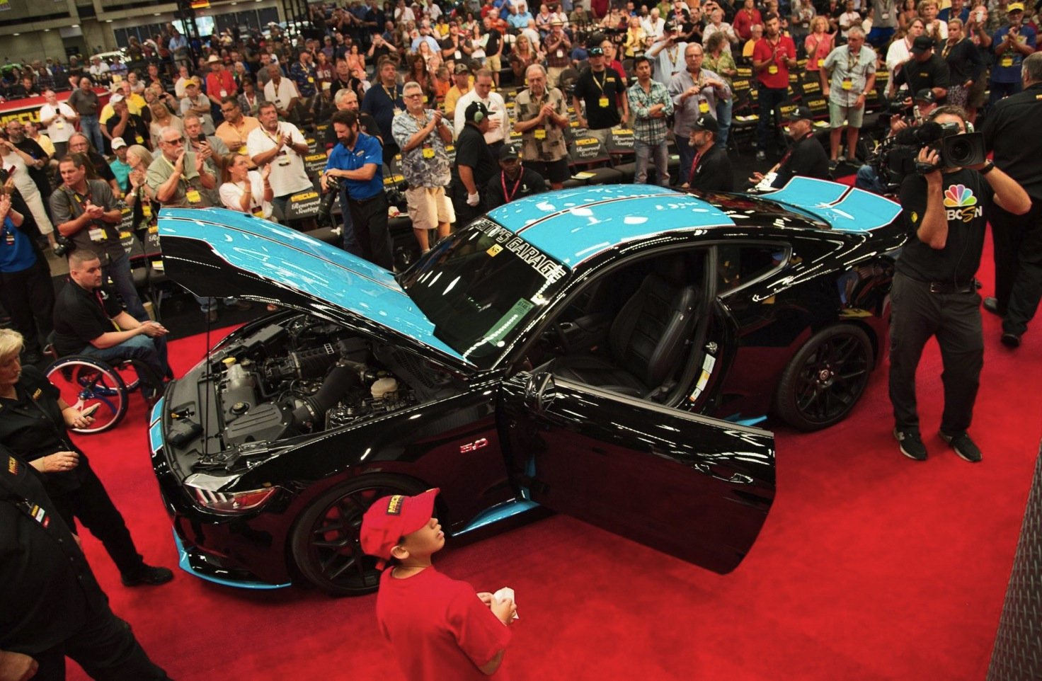 Petty's Garage-customized 2015 Mustang Brings $535,000 To Veterans' Charity