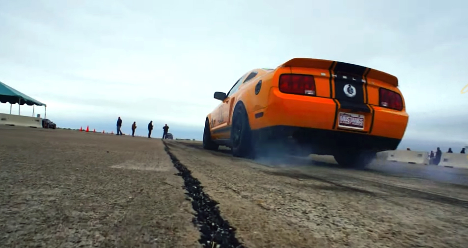 World's fastest Mustang breaks 220mph