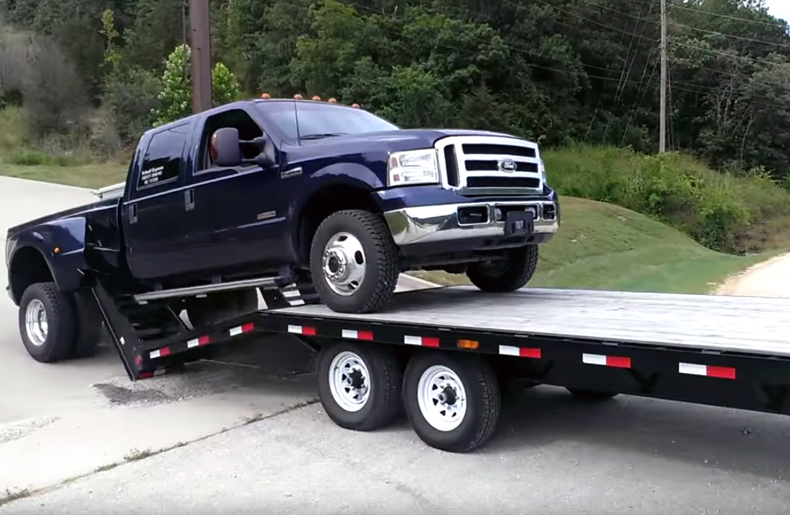 Fail: How not to load a trailer