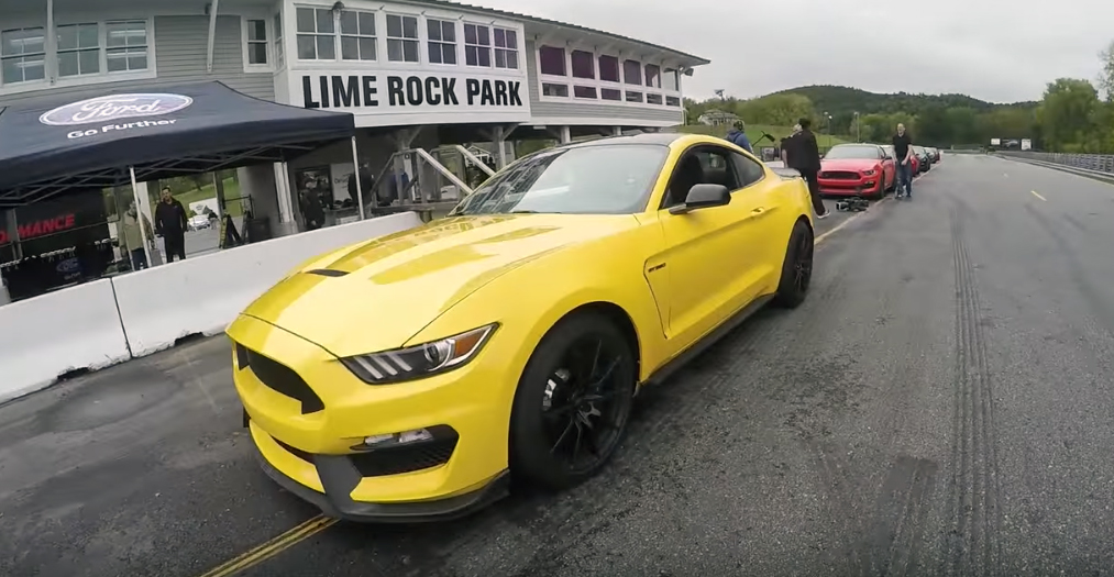 Shelby GT350 goes for a very wet track lap