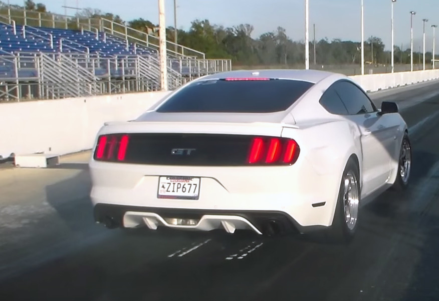 Edge of eights: 900-horsepower Mustang gets a boost from Hellion