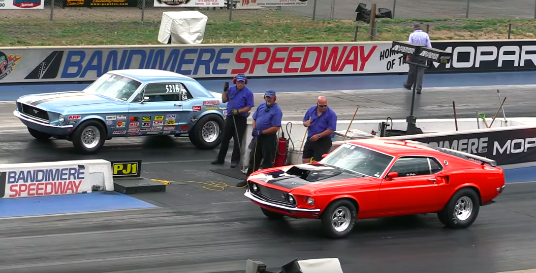 Vintage Mustangs battle it out