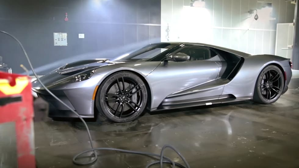 Even the wind is no match for the 2017 Ford GT